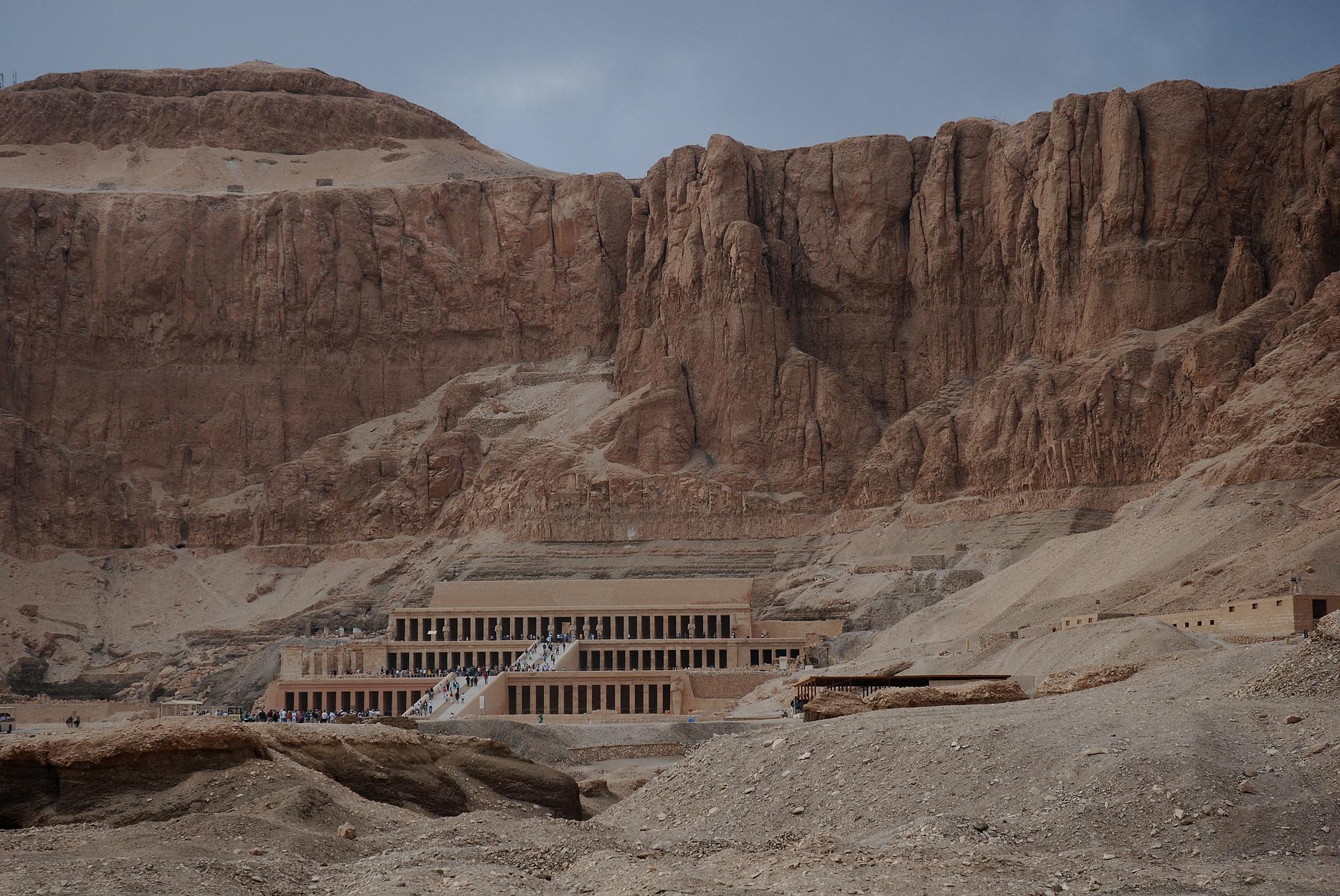 Templo de Hatshepsut en la roca