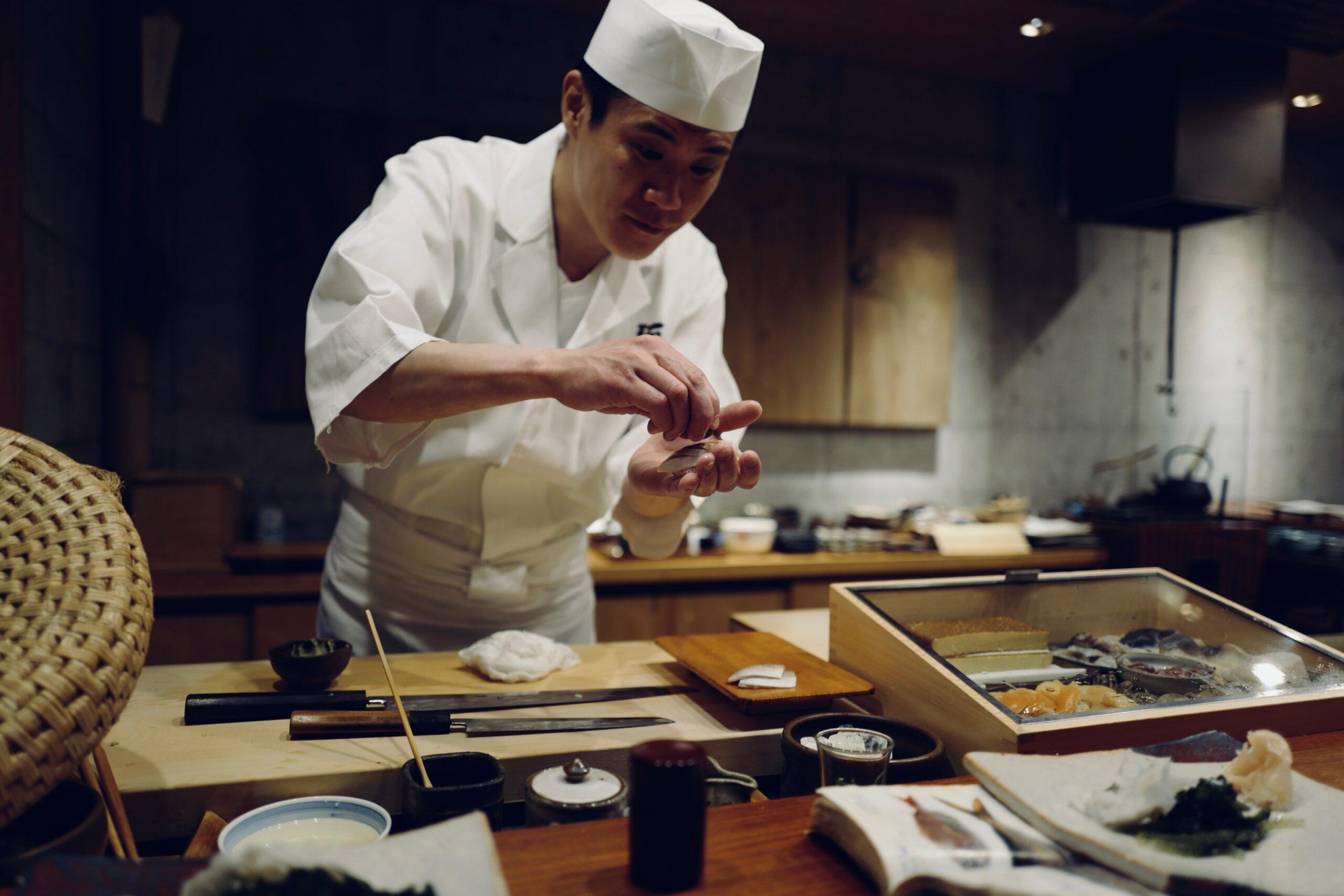 Chef sushi que comer en Japón
