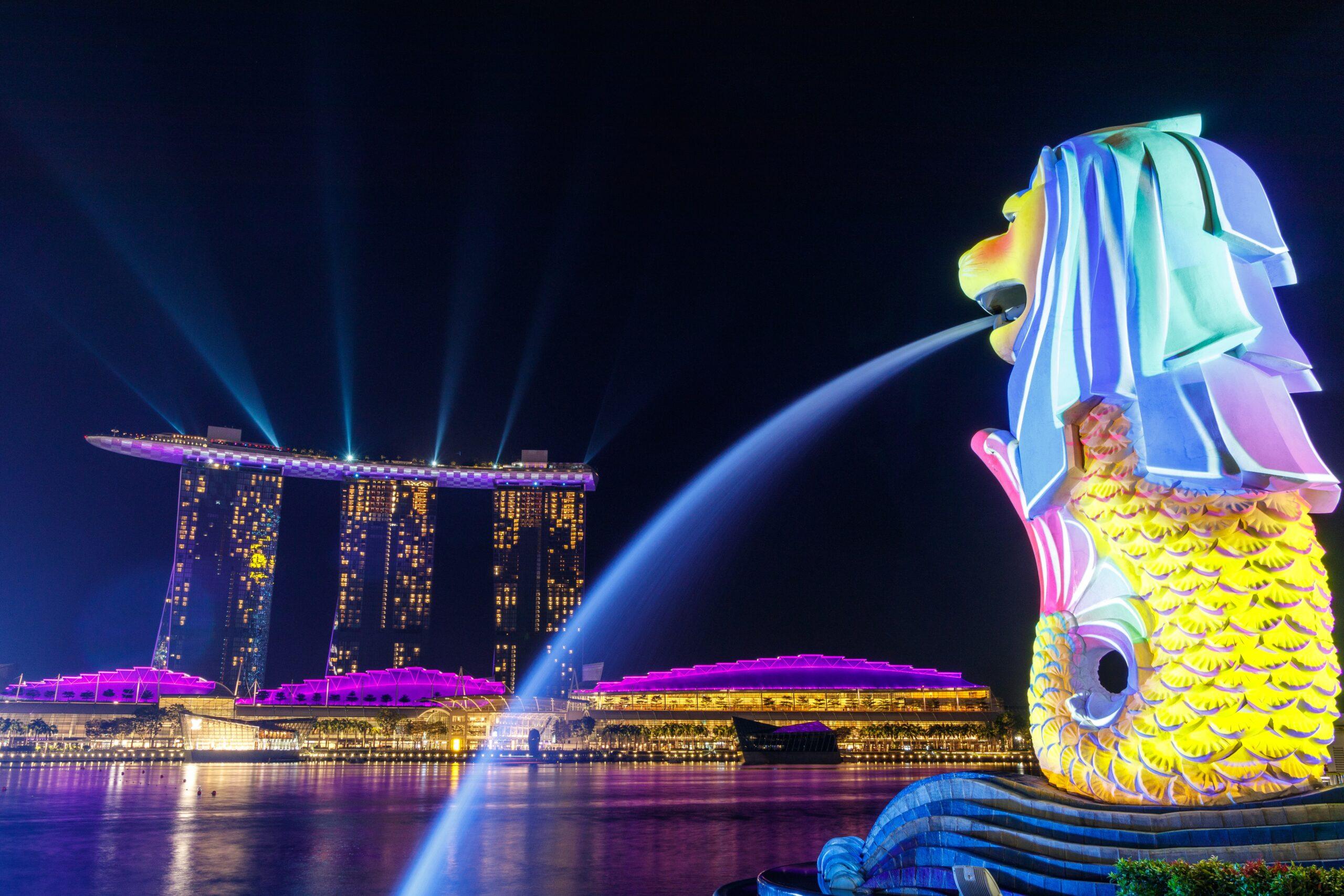 Estatua Merlion con Marina Bay Sands de fondo, Viaje a Singapur