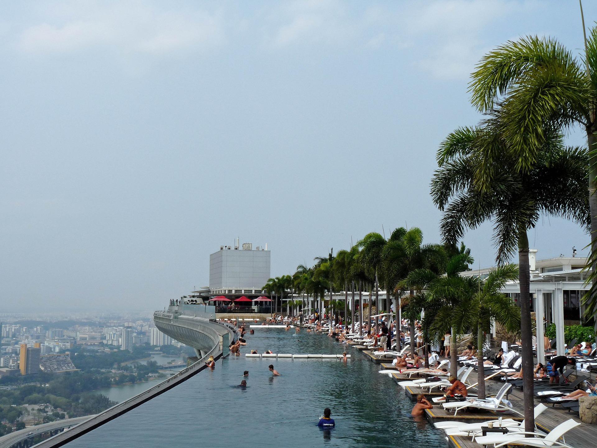 Piscina infinita del hotel Marina Bay Sands