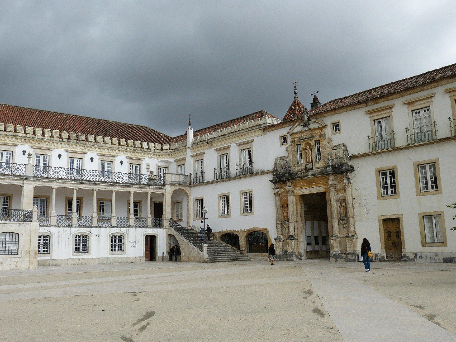 Universidad más antigua