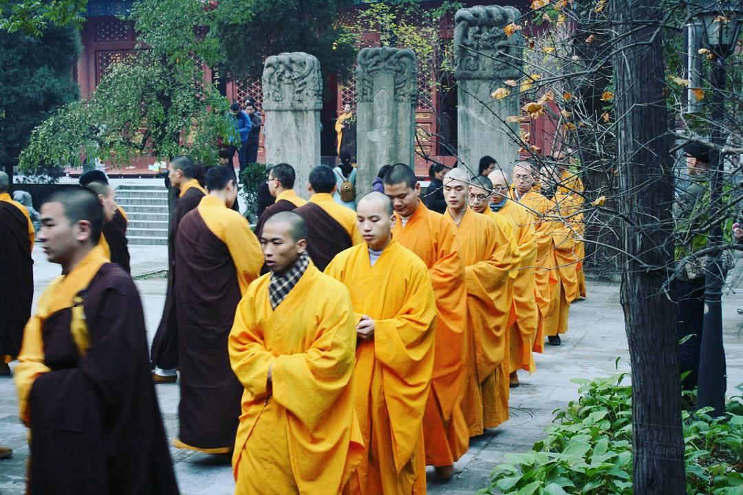 templo Fayuan, monjes