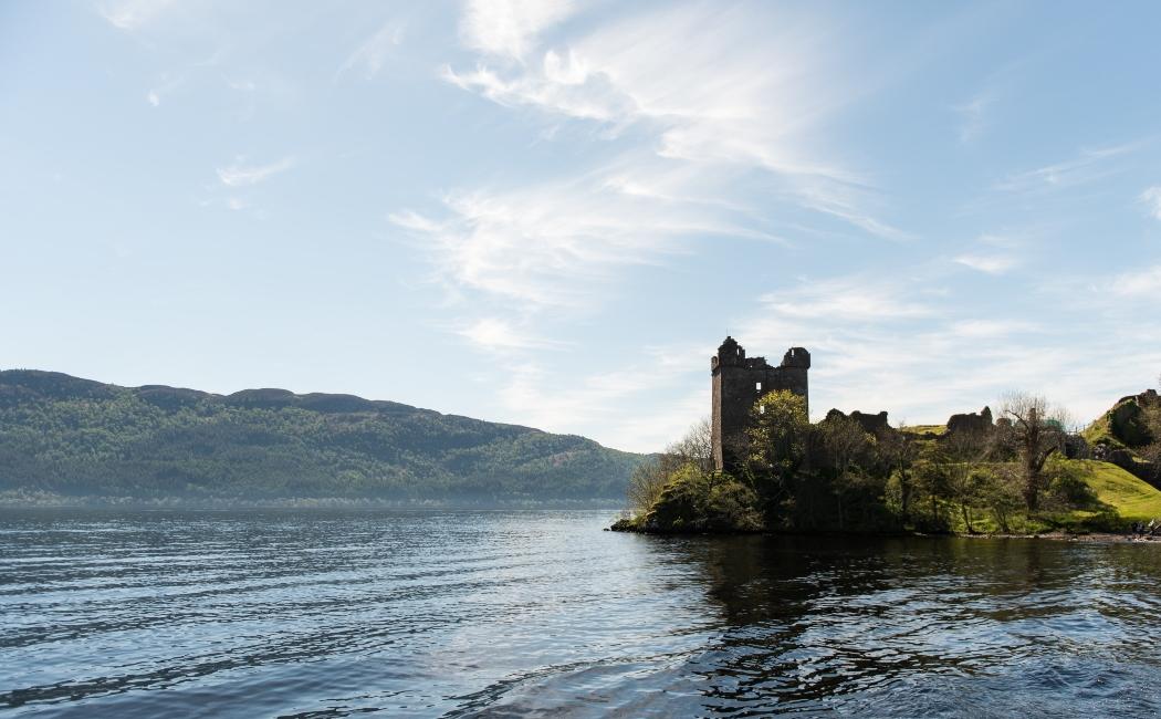 Castillo Urquhart en el Lago Ness