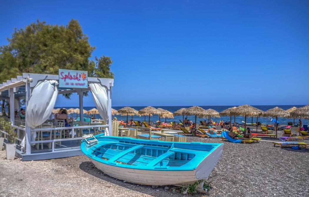 kamari beach grecia santorini